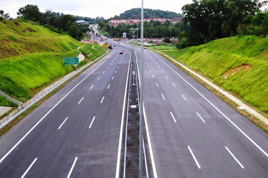 https://shamsulnasarah.com/wp-content/uploads/2020/10/jalan-raya-lebuhraya-malaysia.jpg